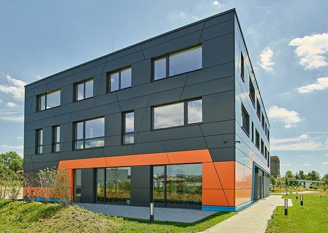 3D-Micromac Hauptgebäude.jpg