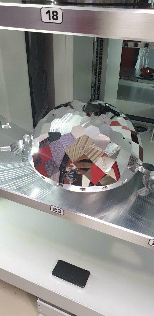 Image 2_ Kern_Aluminium disco ball (16 re.jpg