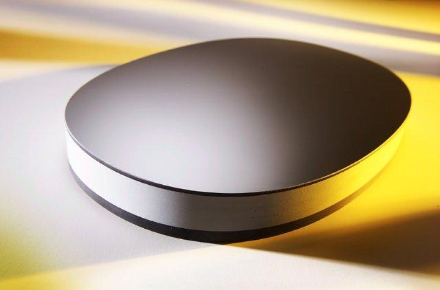Figure 1. ZYGO - Mirror face of an SiC optic.jpg